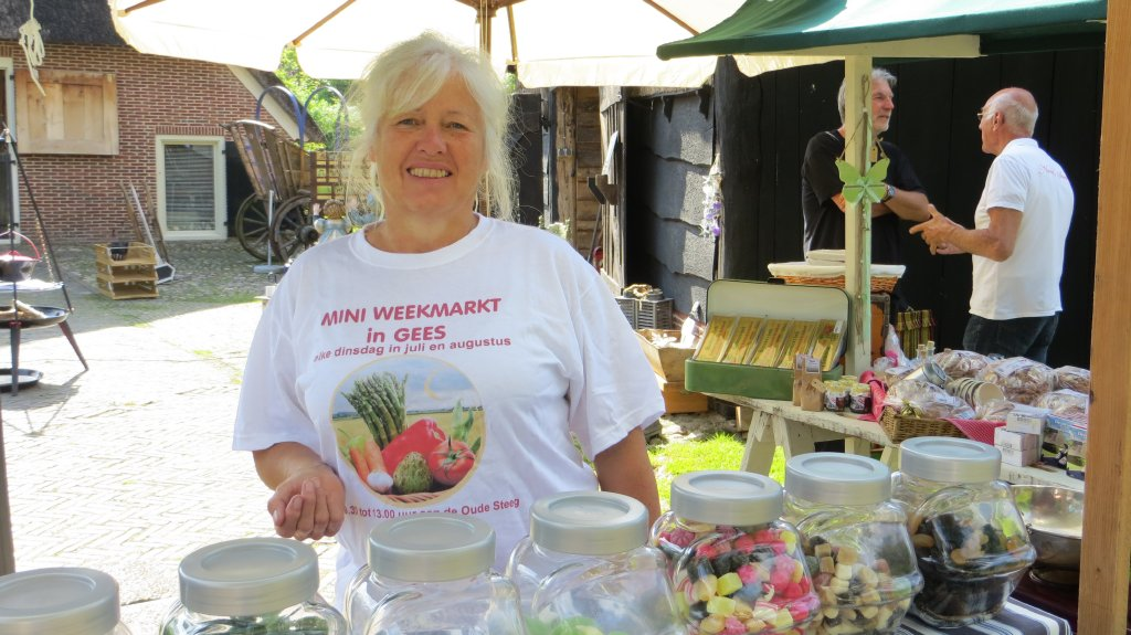 Mini weekmarkt in Gees