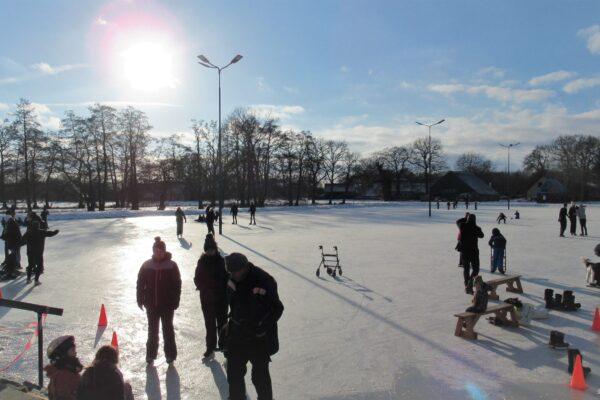 Eerste schaatsdag Gees